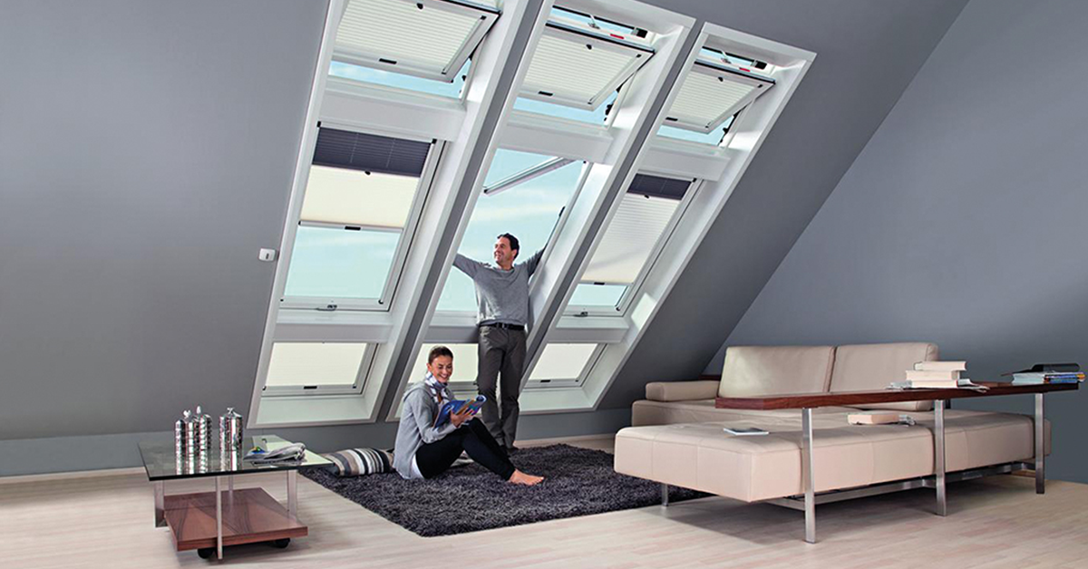 dachfenster rolll den vom fachmann may dachfenstertechnik d sseldorf f r velux roto braas. Black Bedroom Furniture Sets. Home Design Ideas