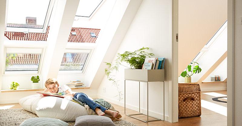 May Dachfenstertechnik feiert Jubiläum. Tageslicht unter dem Dach